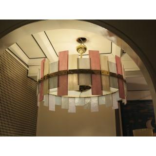 L 77   Lampadario dalla forma circolare in vetro di murano