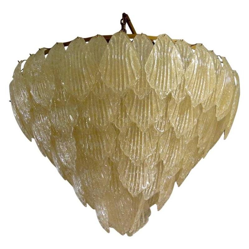 L 64  Lampadario in vetro di Murano color oro