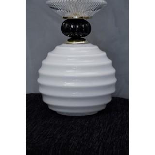 L 87 Coppia di lanterne in vetro bianco, nero e ottone