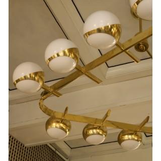 L 93 Grande lampadario dalla rara forma triangolare